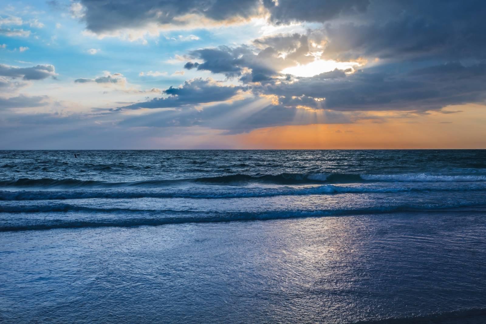 Bradenton Beach Vacation Rental | Linger Longer 304B
