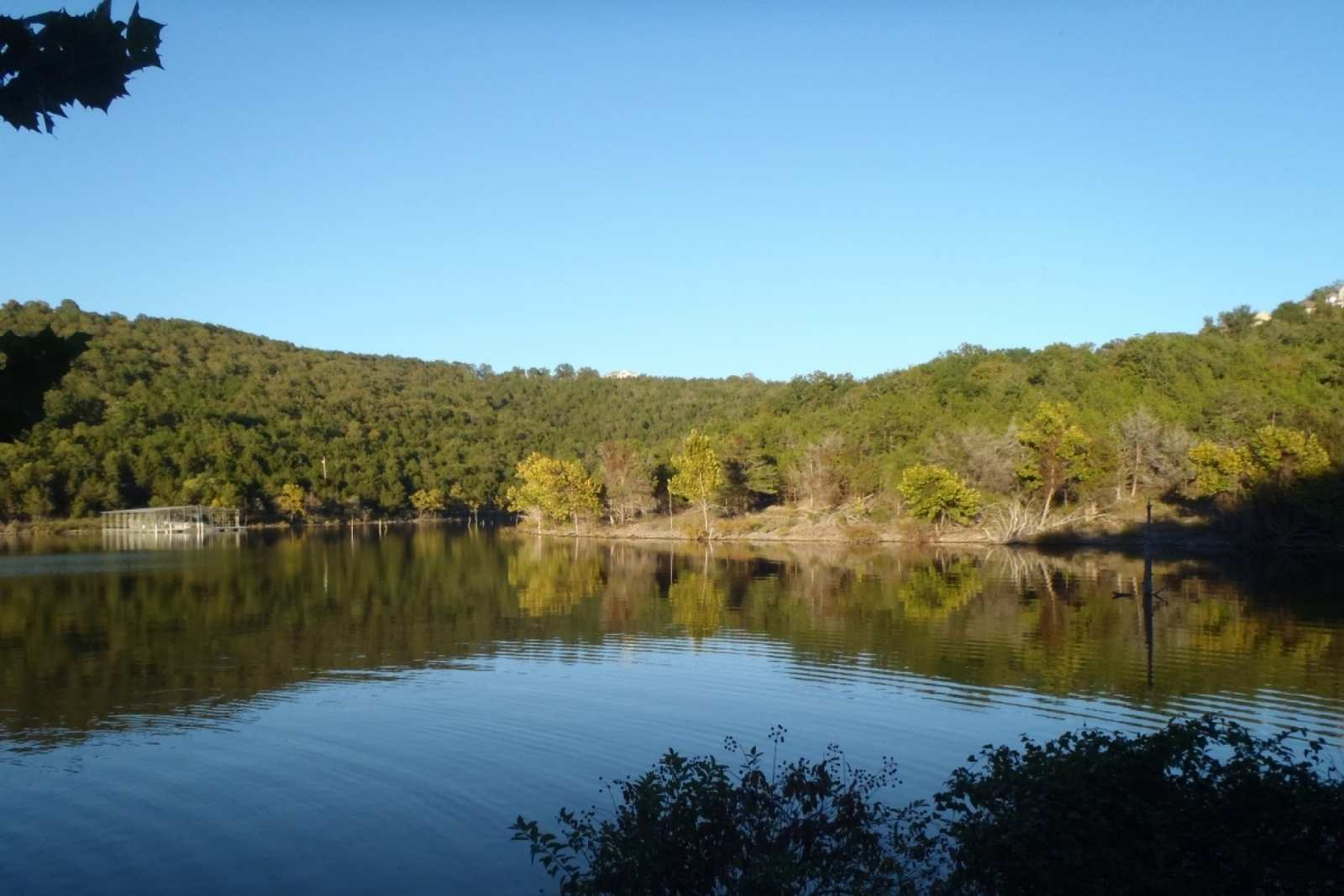 Hollister vacation rental table rock lake 2 bedroom for Table rock lake