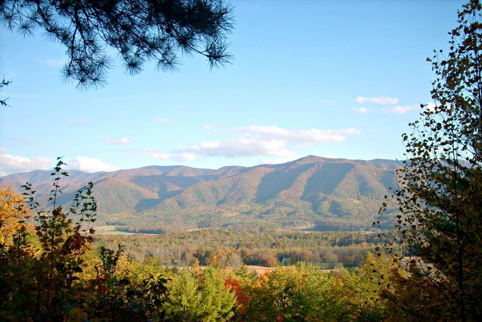 Gatlinburg Vacation Rental   The Summit #3205 - Indoor & Outdoor ...